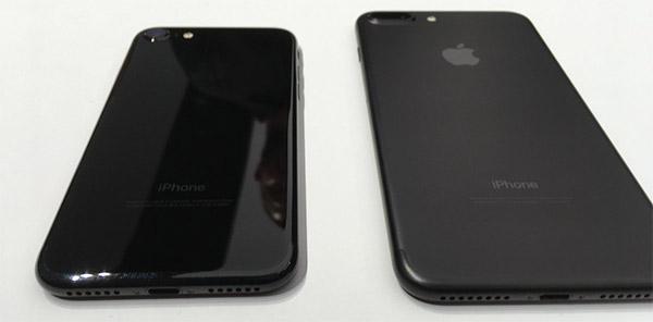 black-vs-jet-black-02